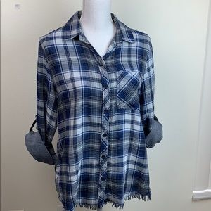 Beach lunchlounge fringe hem plaid linen shirt EUC
